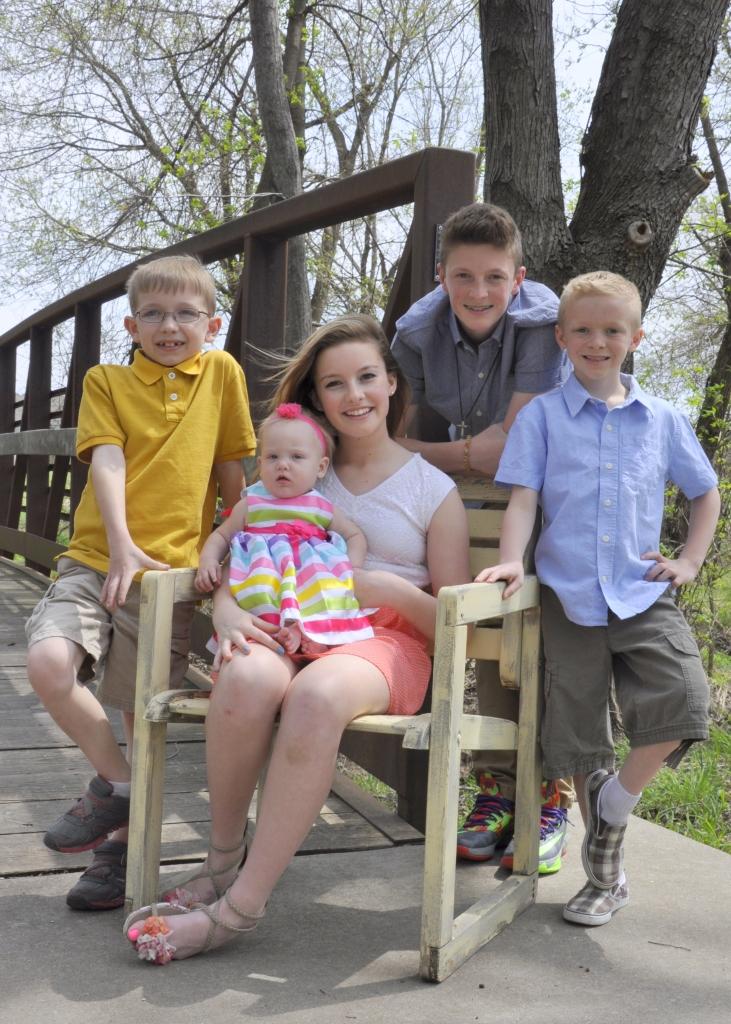 The Woods/Dameron cousins  April 2014